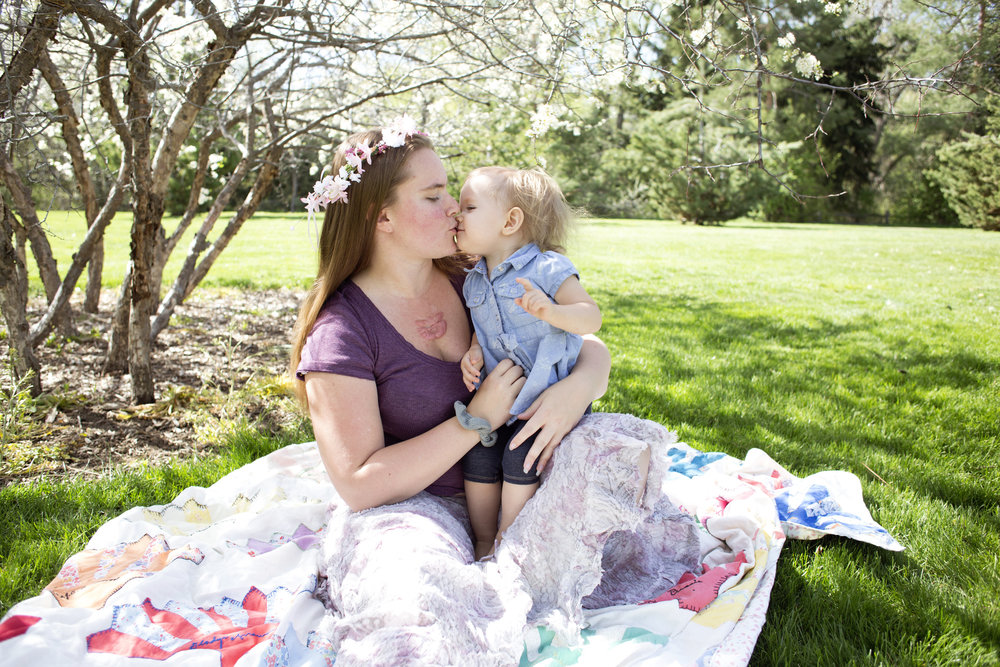 baby kisses, mommy and me photo, happy spring