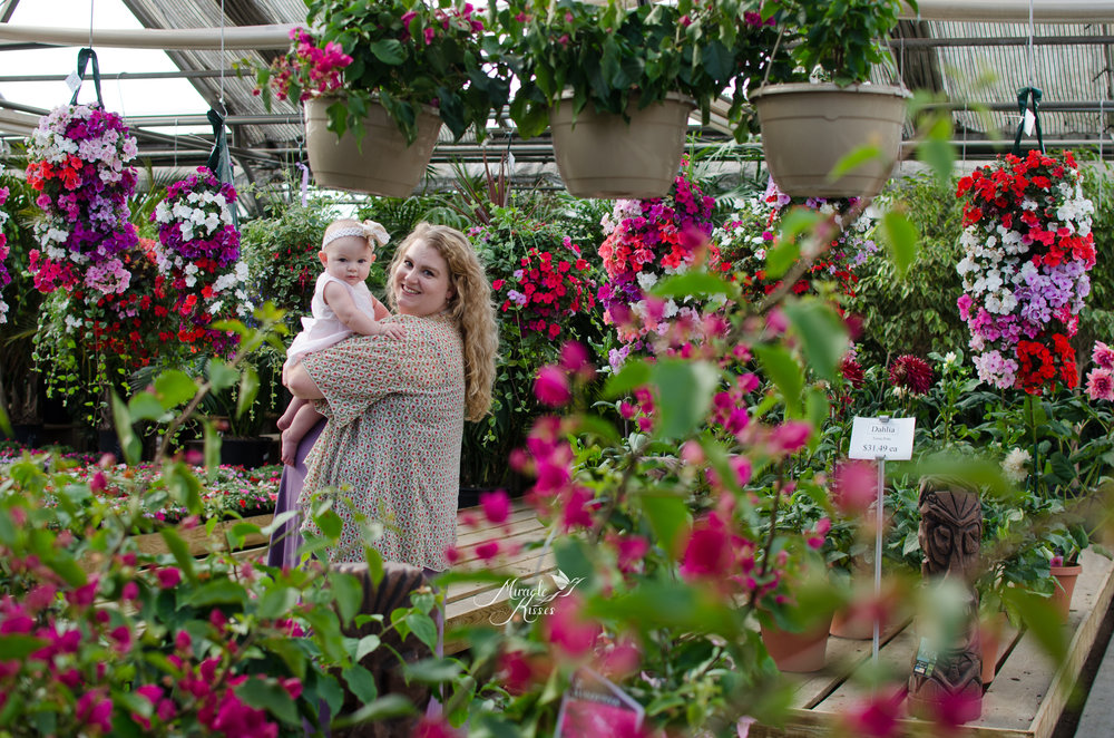Paulinos greenhouse photography, mommy and me, happy baby