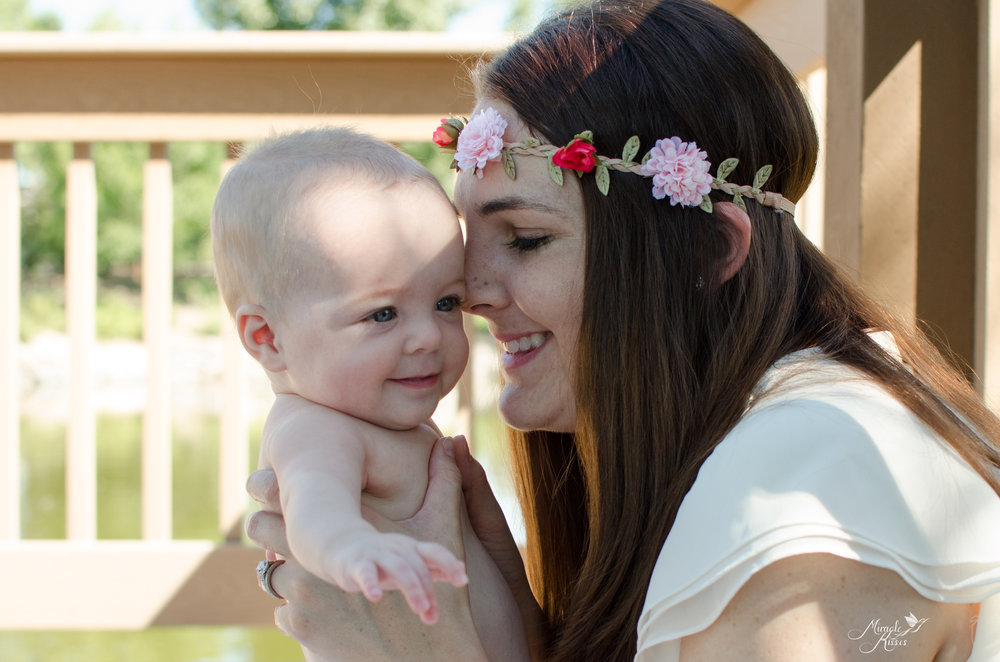 Bonding with mom, happy moments, nourishing babies