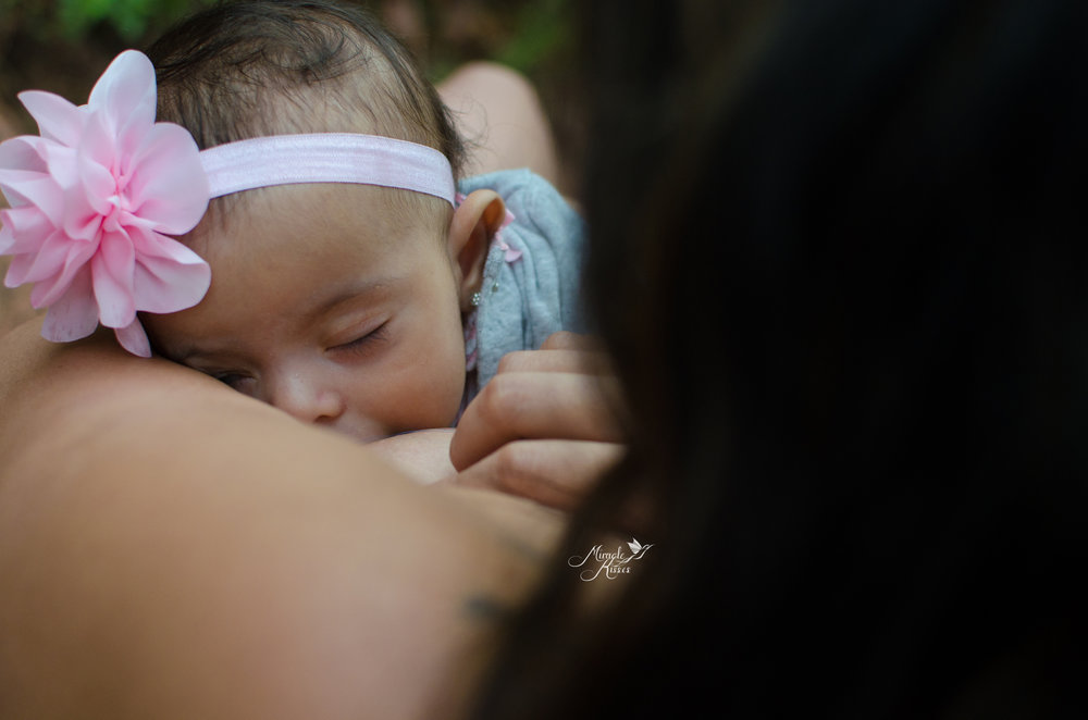 over the shoulder breastfeeding photo, milk coma, success in breastfeeding