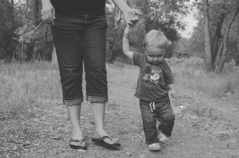 walking with mom, lifestyle image, child photo