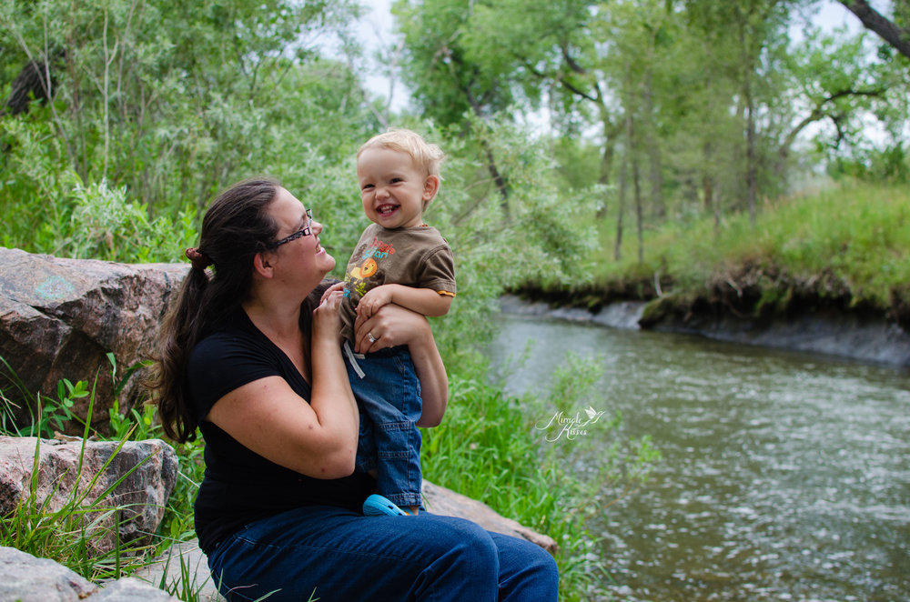 mommy and me, happy kid, outdoor photography in wheat ridge