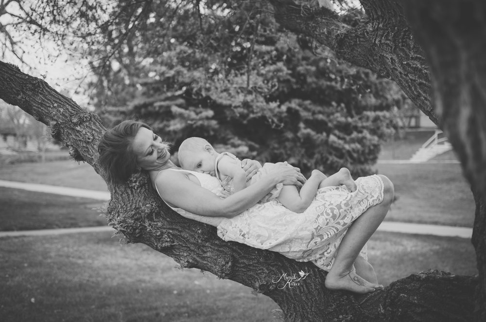 breastfeeding in nature, lay down nursing, mommy and me