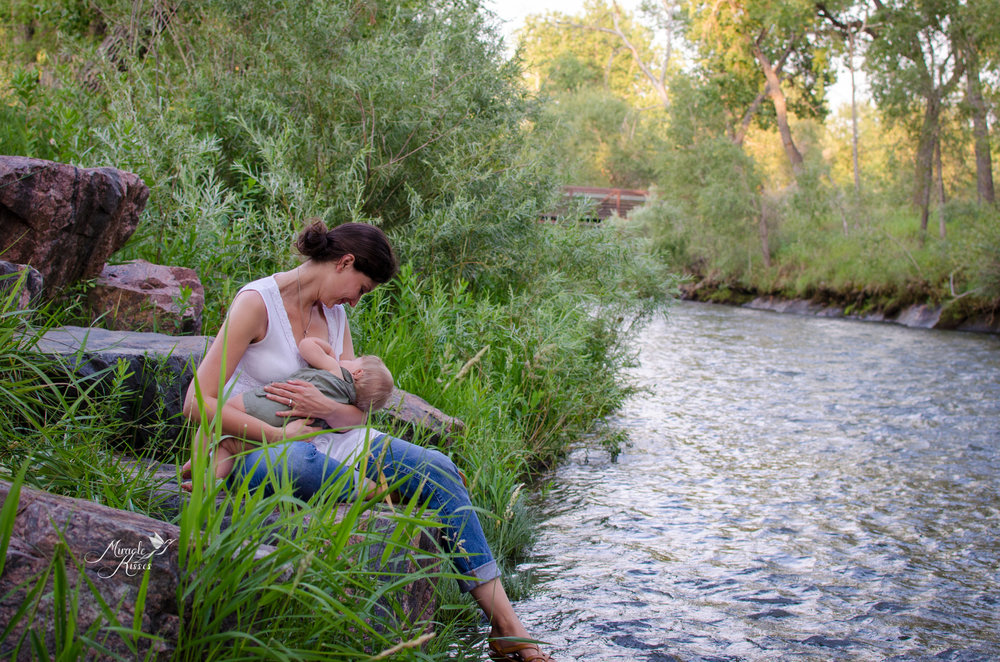 motherhood photography, lifestyle, love and nature