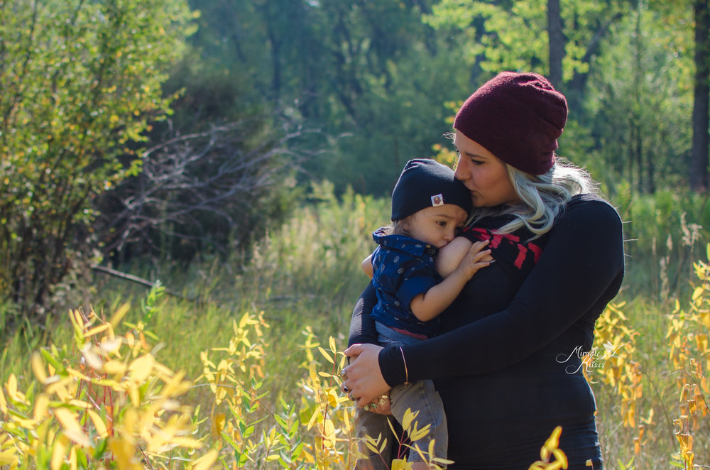 fall breastfeeding in colorado, arvada photographer, normalize breastfeeding