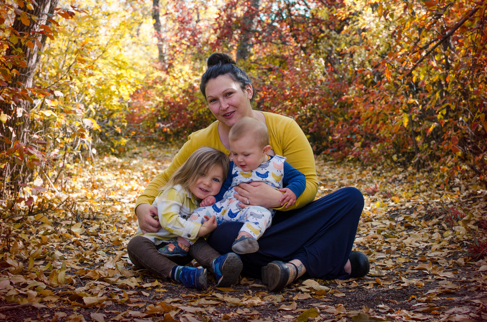 colorado fall family photo, miracle kisses, golden colorado
