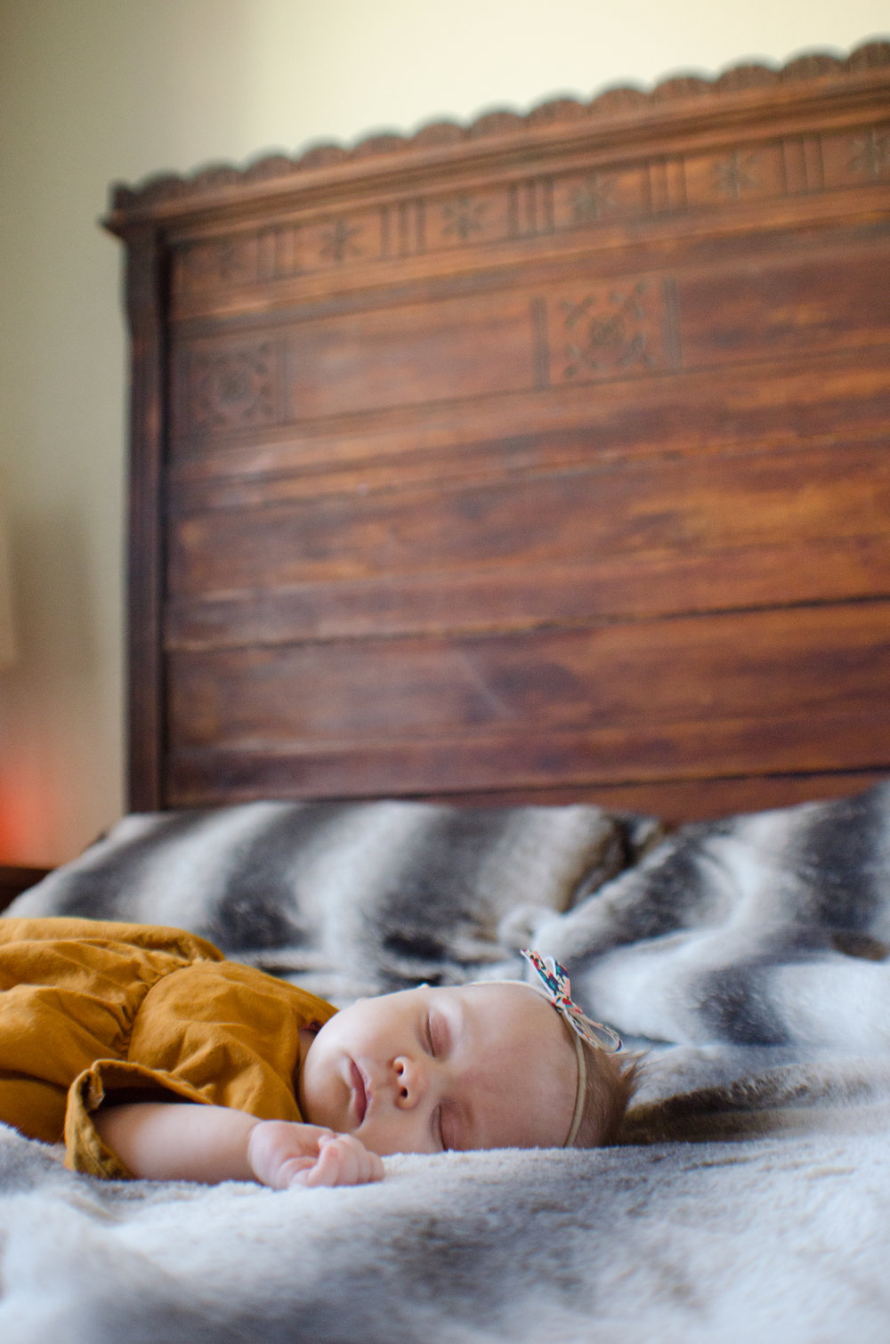 sleeping baby, milestone photo, day in the life, motherhood session