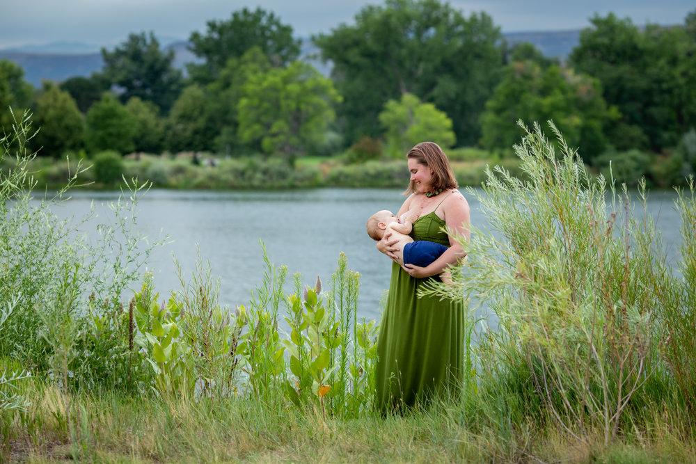breastfeeding under one, yelena byers photography