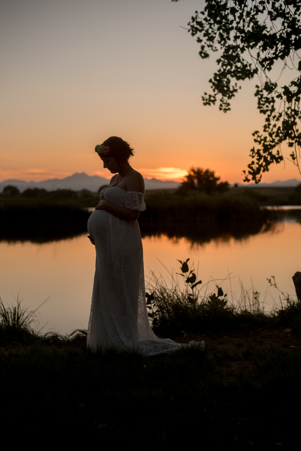 maternity sunset photo in colorado