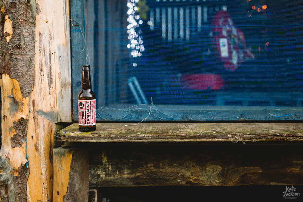 5am Saint Beer at DIY Festival Wedding in Scotland | Kate Jackson Photography
