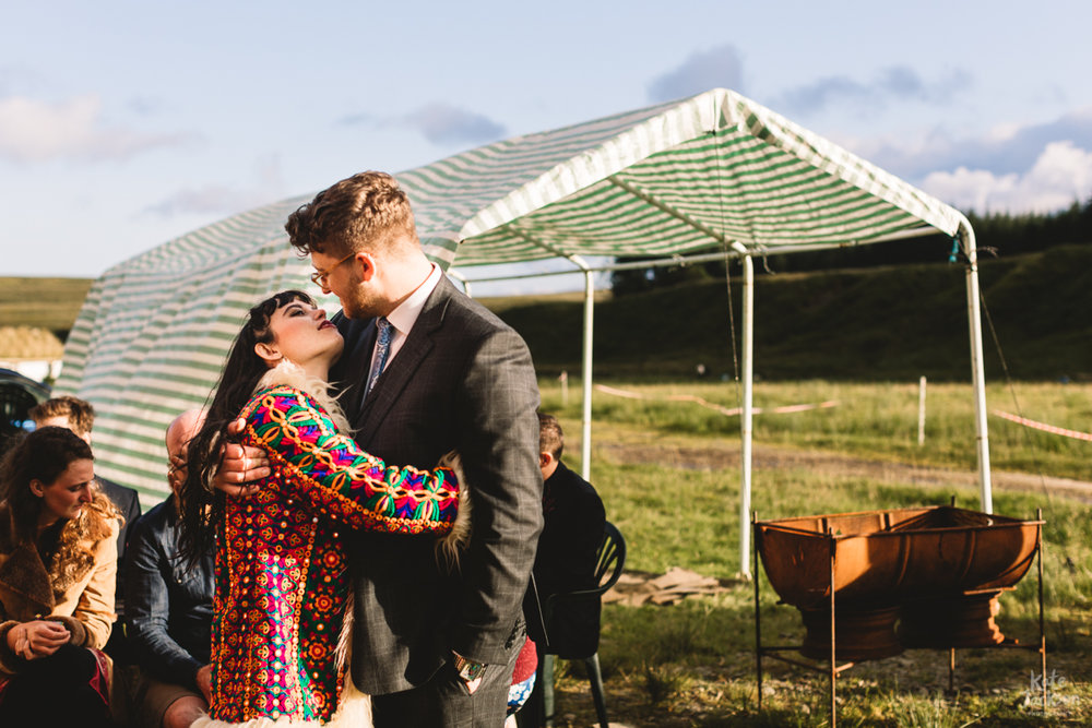 Relaxed outdoor fun festival wedding at Knockengorroch in Scotland | Kate Jackson Photography
