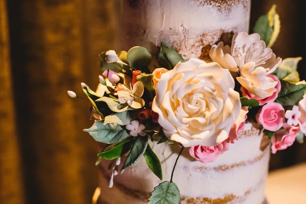 Edible Flowers on Cotswold Cakebee Wedding Cake