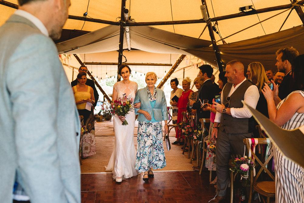 Jackie-Brent-Tipi-Wedding-Sneak-Peek-8.jpg