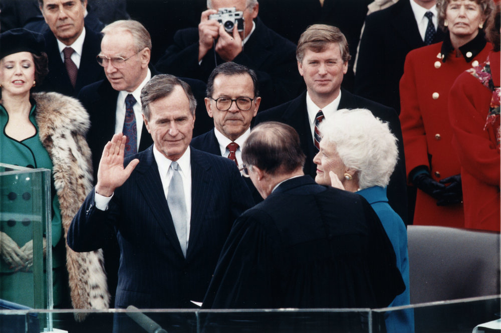 George_H._W._Bush_inauguration.jpg