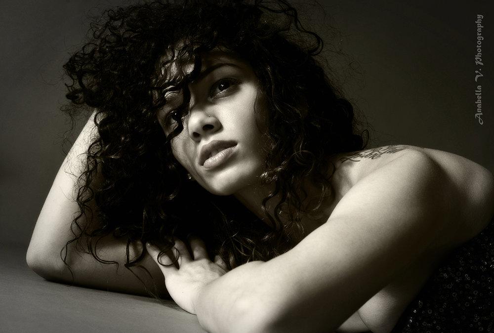 Anabella V. Photography (6).jpg