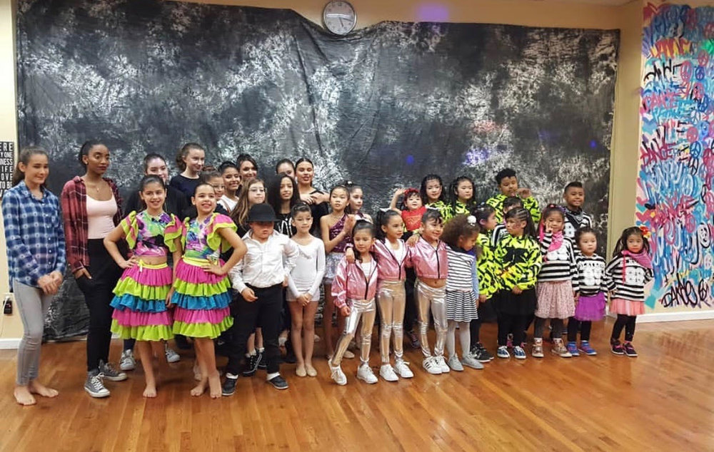 Congratulations to all contestants who competed March, 4th 2018 inDANCESANITY STARS COMPETITIONS! - Dancesanity Stars Competition Results! ✨⭐️💫🌟!Youth Group Division:3rd Place Nagareboshi2nd Place Samantha and Alexis1st Place 3D ForceTeen Group Division:3rd Place Adrian's Hip Hop2nd Place Instruction/Salsa Teens1st Place Nathalie and FloraSoloist Category:3rd Place Arielle2nd Place Alexis1st Place NathalieThank you to our vendors!Nena's Cupcakes Anika TifftVal's Cookie Canvas Astoria,NYSaviBeauty By SarahStella and DotThank you to our professional dancers!Vector Dance CompanyBelly SolKRIMP DANCE &JamesThank you to our DJ De La Rouge!Thank you to our photographers JBIH Photography!And THANK YOU to all who joined us! 🙏🙏