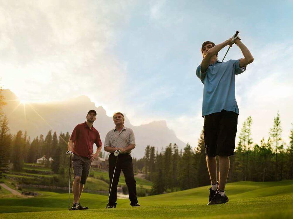 Golfing_2Bat_2BSilvertip_2B2.jpg