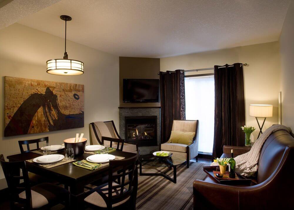 Grande-Rockies-livingroom-suite.jpg