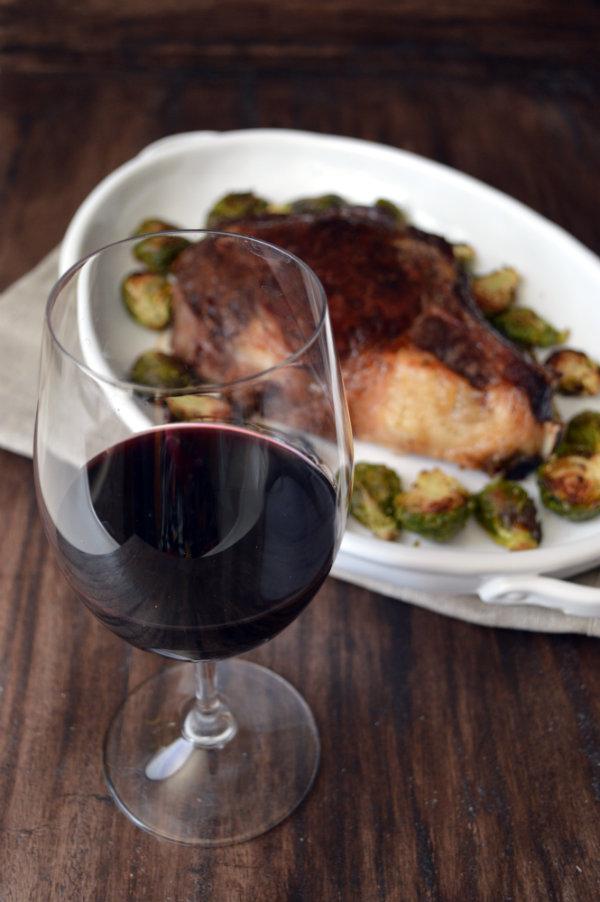 What Wine to Pair with Steak | CaretoPair.com