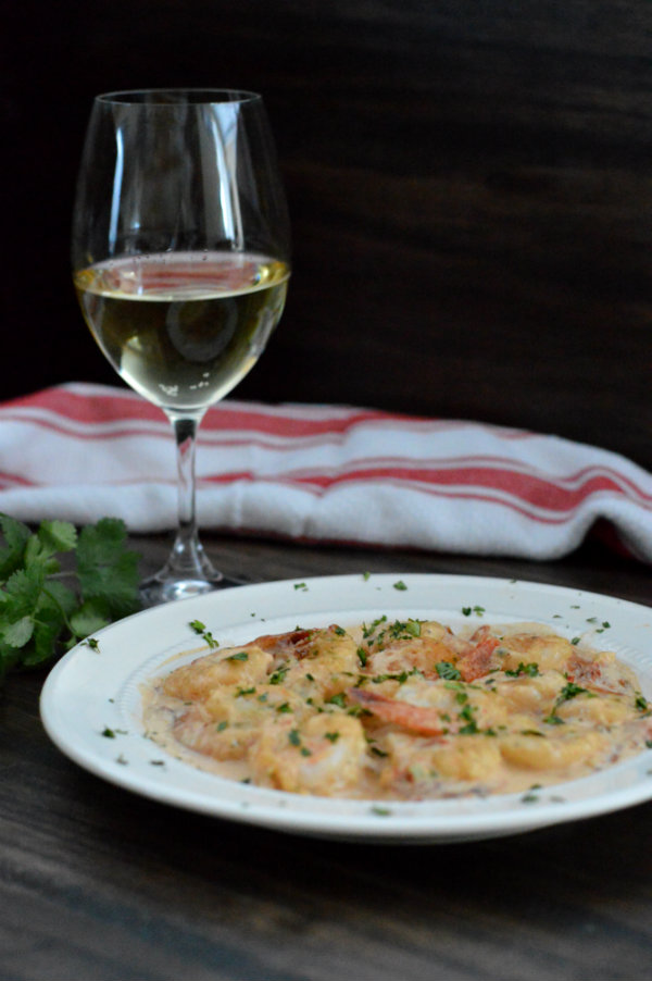 Chipotle Cream Shrimp Paired with Albarino White Wine | CaretoPair.com