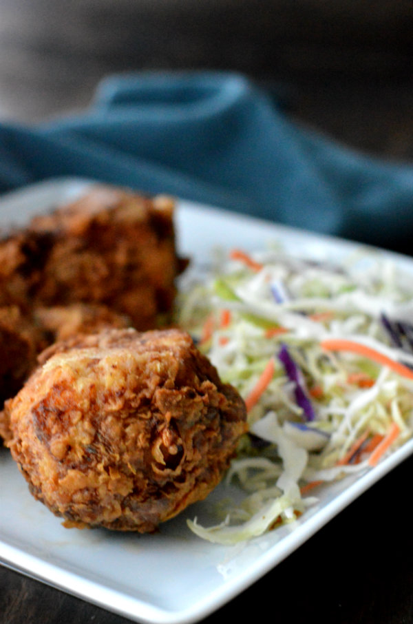 Fried Chicken Wine Pairing. What wine do you pair with fried chicken? Bubbles!