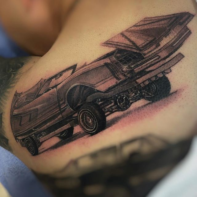 A work in progress...✨ #Lowrider #BlackAndGrayRealism #sneekpeek #BlackAndGrayTattoo #TattooArtist #ChicanoArt #blackAndGreyTattoo #FemaleTattooArtist #OrgulloMexicano