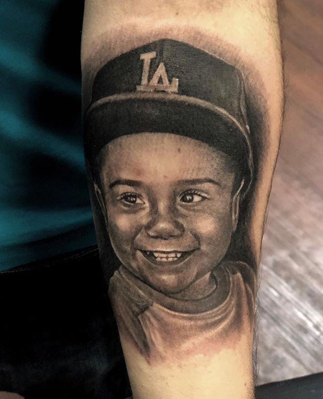 Portrait... ✨ #BlackAndGrayTattoo #PortraitTattoo #FemaleTattooArtist #Realism #InkBums #BloodhoundIrons #LosAngeles #BlackAndGreyTattoo #ChicanoArt