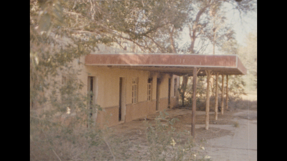 North of Roswell - Directed by John ElliottA short, experimental Super-8mm film capturing scenes from a decaying ghost town north of Roswell, New Mexico.