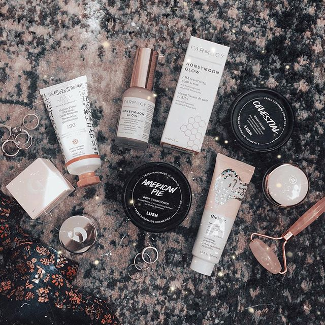 Shared a little skincare and makeup haul via my IG stories. I'll go ahead and preamplifier now for the cracked up mani. Also, if you want an esthetician to obsess over, check out @thegoldenrxskinstudio and ALL of her YouTube videos. 💕💕💕