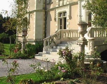 Chateau Allure du Lac   Steps.jpg
