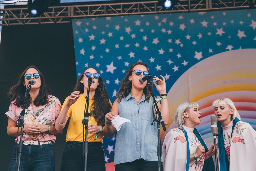 The Staves and Lucius guesting with Jenny Lewis. Photo Credit: Scotify