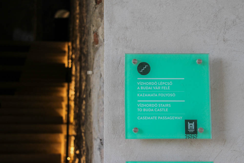Bazzar Castle & Neo-renaissance garens Budapest