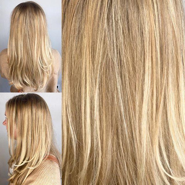 Vanilla and Butterscotch! #hermosaedmond #hermosasalonokc #edmond #blondehair #haircolor #haircrush @hermosa.salon Request an appointment! 405.285.8762