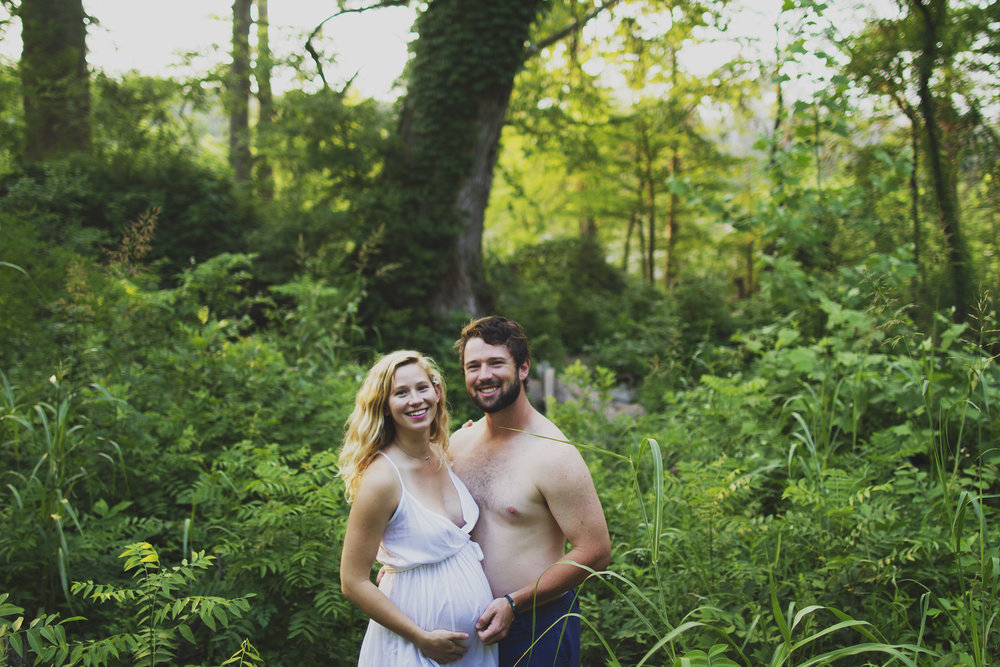 natural light hippie mama nature goddess maternity session in the woods