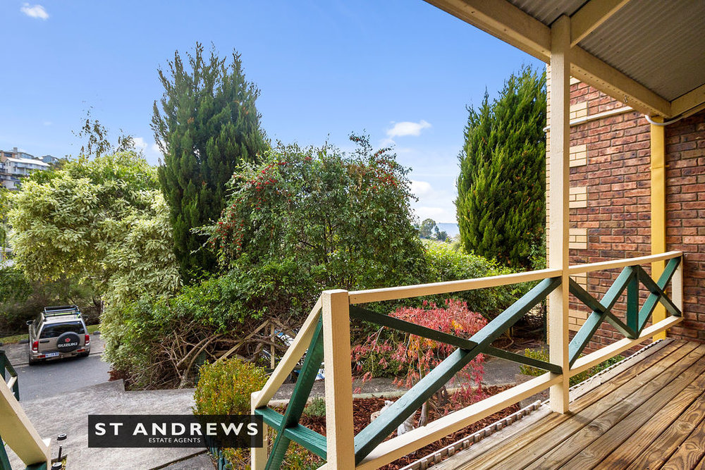 003_Open2view_ID511814-3_32_Cato_Avenue__West_Hobart.jpg