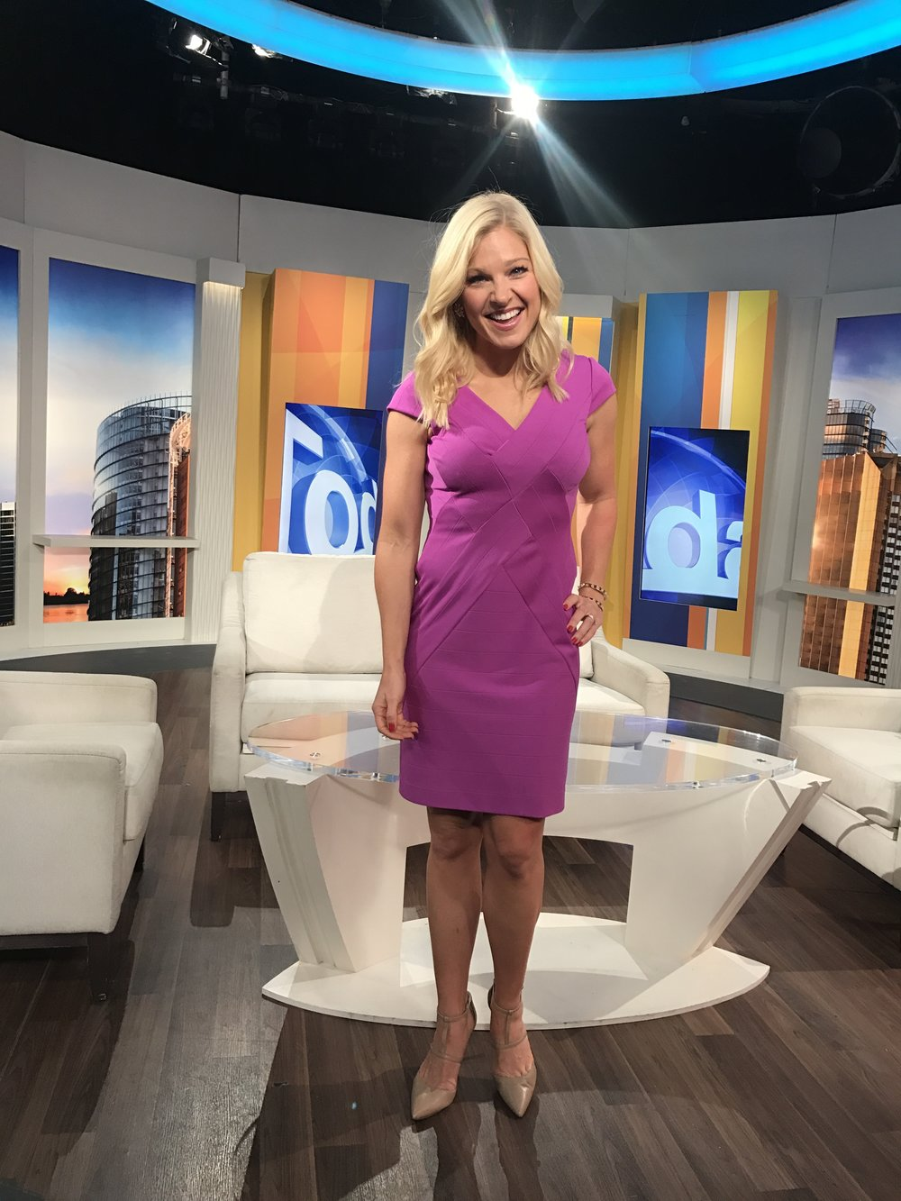 AnnaKooiman.com Pink Body Con Dress Nude T Strap Pumps Pink Studded Gold Cuff