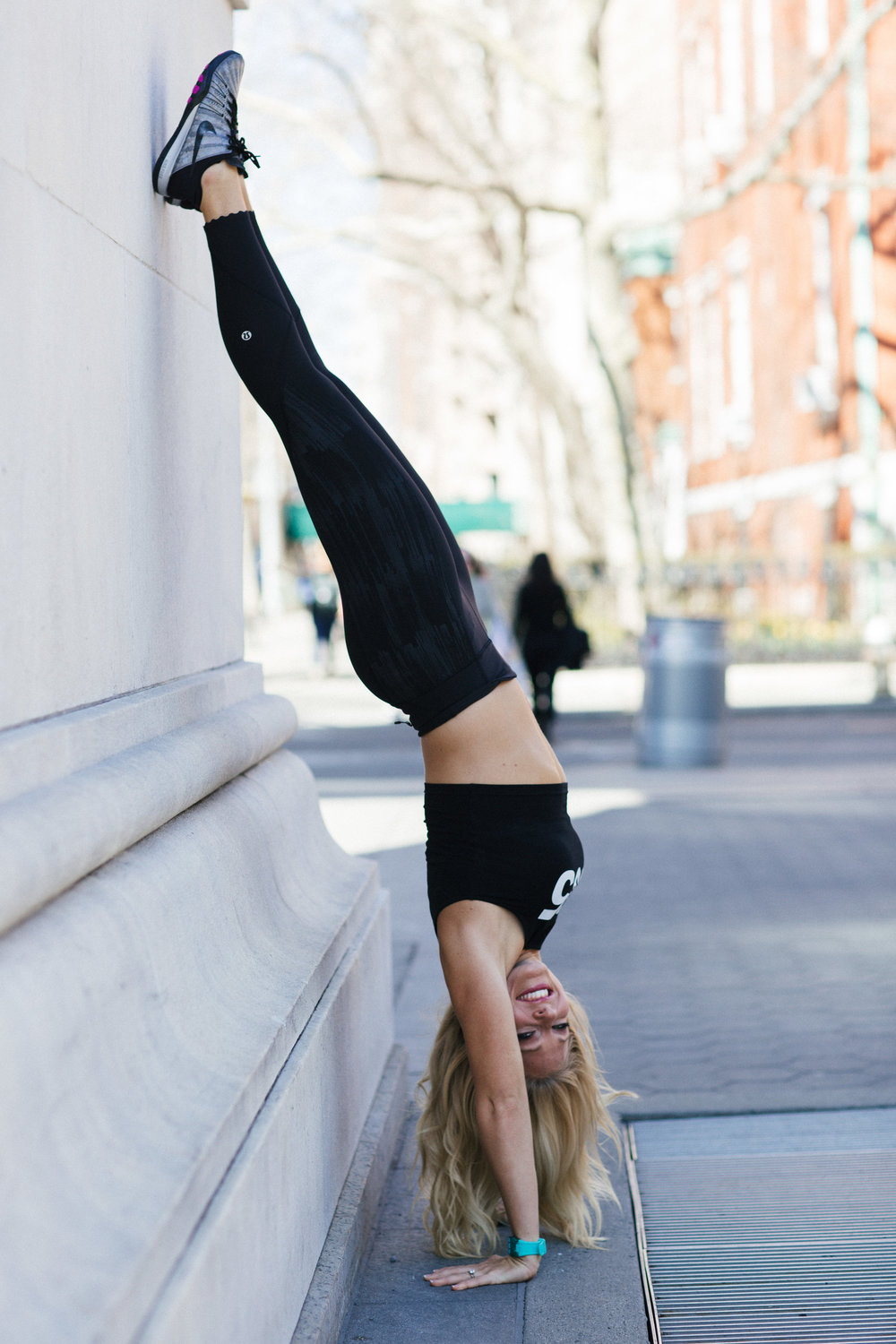 Anna Kooiman Washington Square Park NYC Handstand NYC New York City Lydia Hudgens