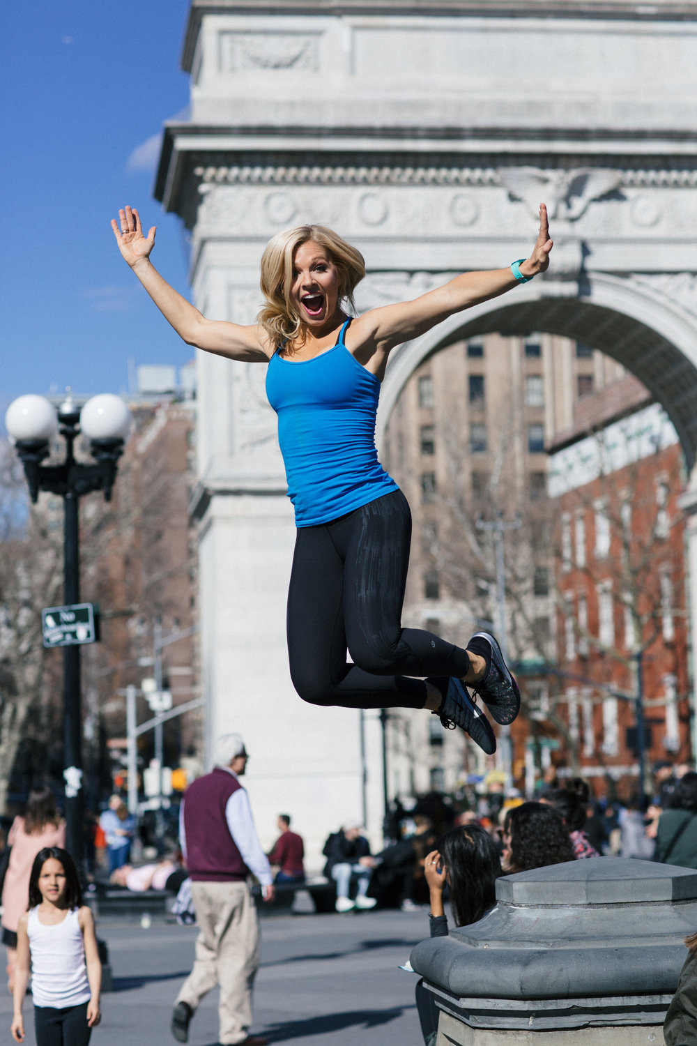 Anna Kooiman New York City Washington Square Park Jumping Off Fountain Lululemon Nike Nixon Fitness fashion Lydia Hudgens
