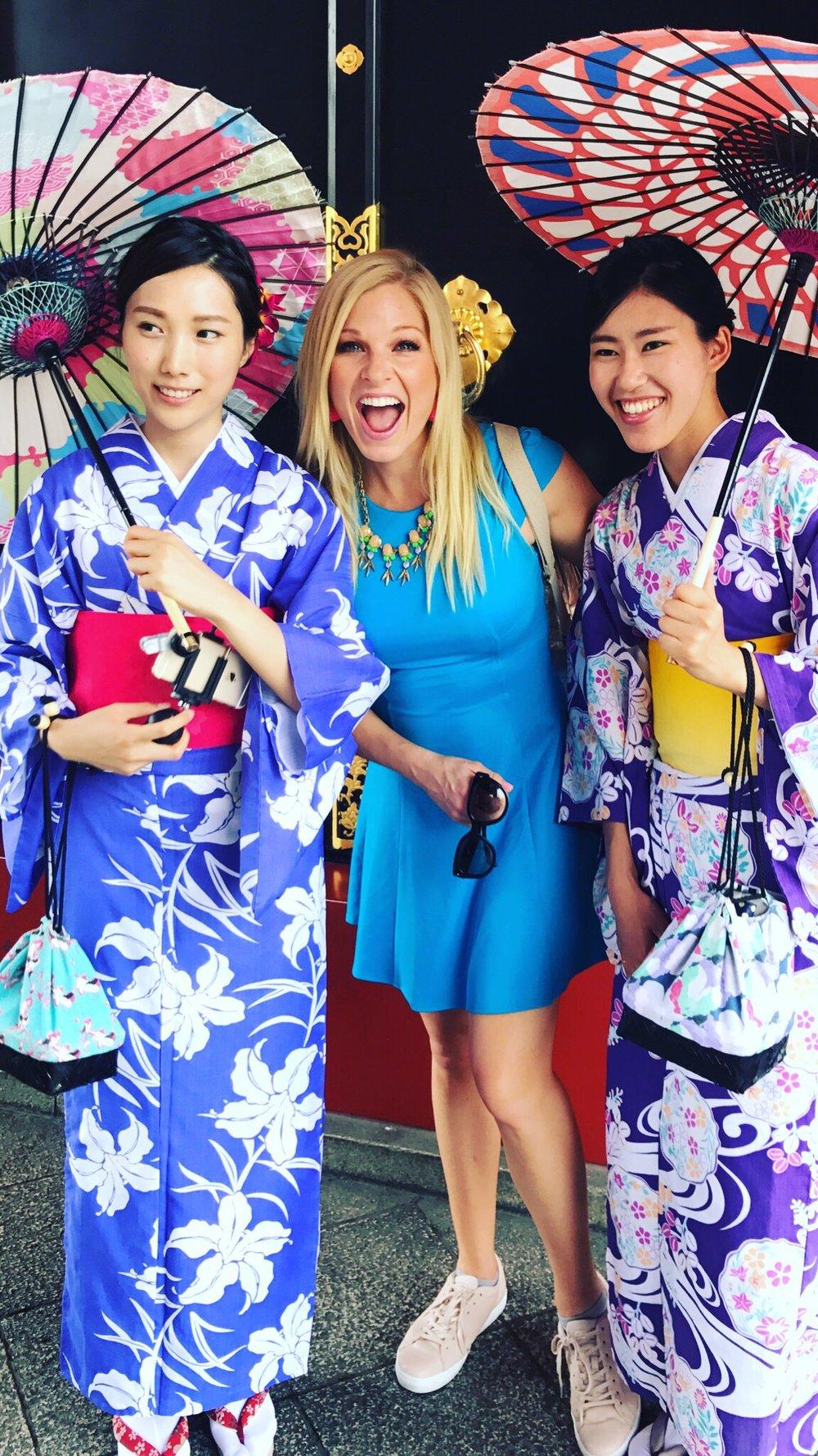 kimonos kimonos beijing seoul tokyo anna kooiman fitness travel lifestyle fashion asia adventure senso ji temple