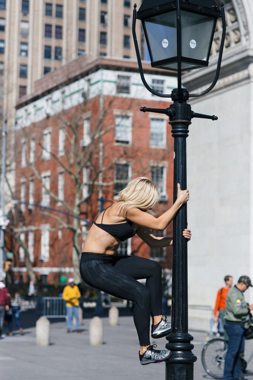 Anna Kooiman fitness travel lifestyle adventure fun new york city fashion exercise style