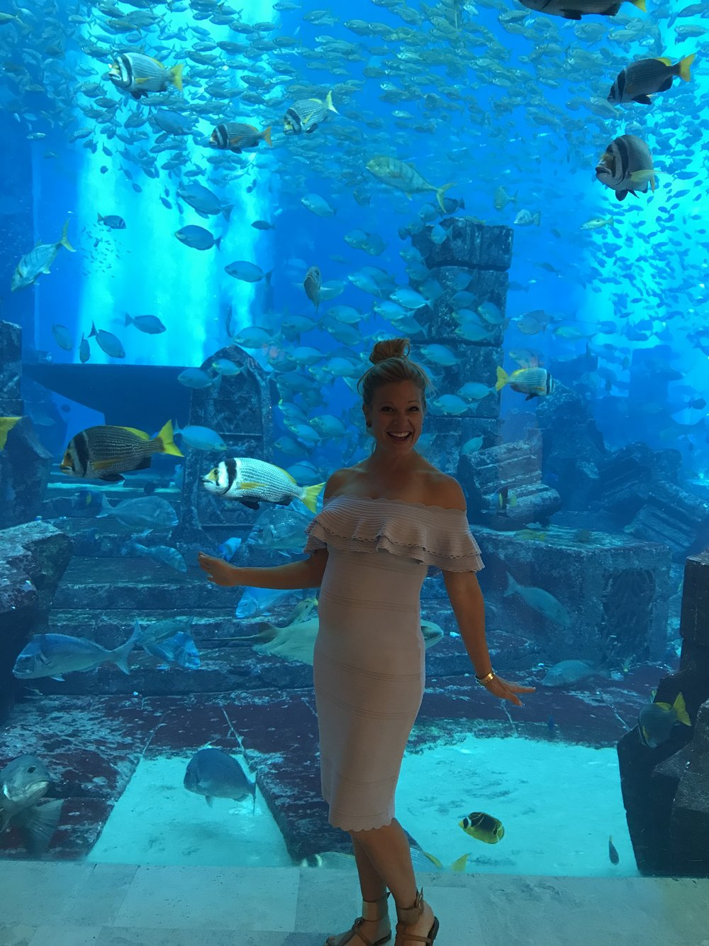 Anna Kooiman dubai arabian adventures united arab emirates gordon ramsay aquarium waterslide desert fitness travel lifestyle fashion adventure style