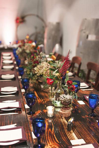 Resized_vuka wedding table setting closeup blue glasses_opt.jpg
