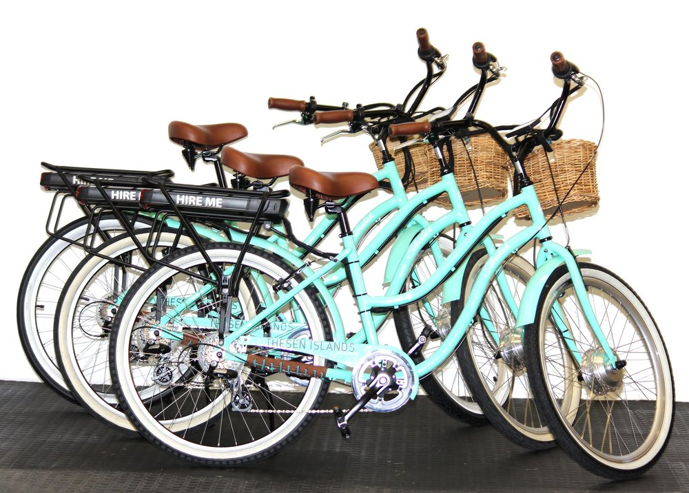 Cruiser e-bikes for commuting and fun.