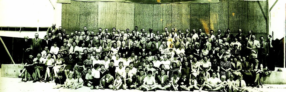 The members of the Palestine orcheastra with their family members. Date around 1938-1937, in Tel-Aviv Gani Hataarucha. Its done behind the
