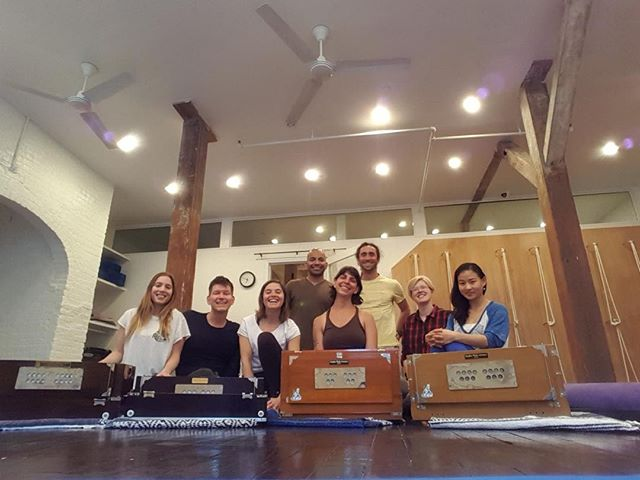 Harmonium for Beginners with Seth Lieberman is coming up this Saturday from 4:30-6:30PM. 🎹 You'll spend two super fun hours learning this amazing instrument and definitely leave smiling. Sign up online. 🙏🙏🙏 #harmonium #yogawilliamsburg #williamsburg