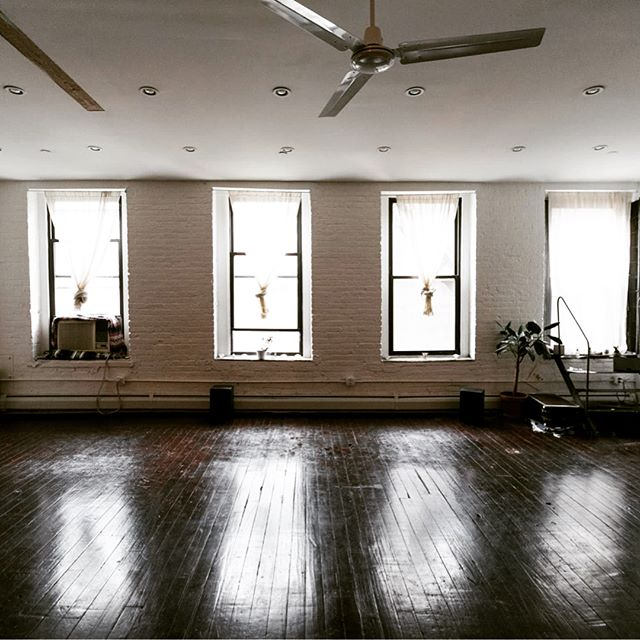 SPACE at SANGHA // calling all yoga + wellness teachers, creatives, facilitators, and community members. Our space is available for you to offer your next event // 💫  #williamsburg #space #rental #home #yourspace #spaceatsangha #event #brooklynevent #rehearsalspace