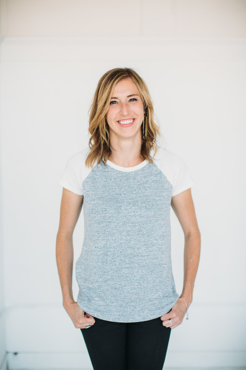 sam_headshots_9117-45.jpg