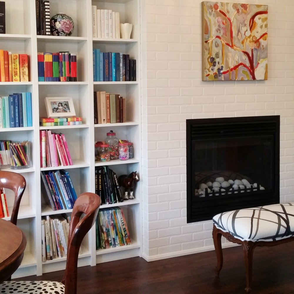 Family Room Library / Carley Brandon Designs