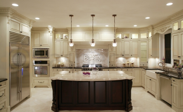 The trifecta of kitchen lighting: recessed, drop and undermount lighting. It's a win!