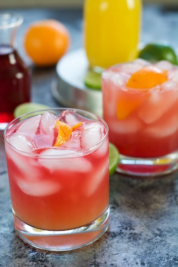 Skinny-Hurricane-Cocktail-4.jpg